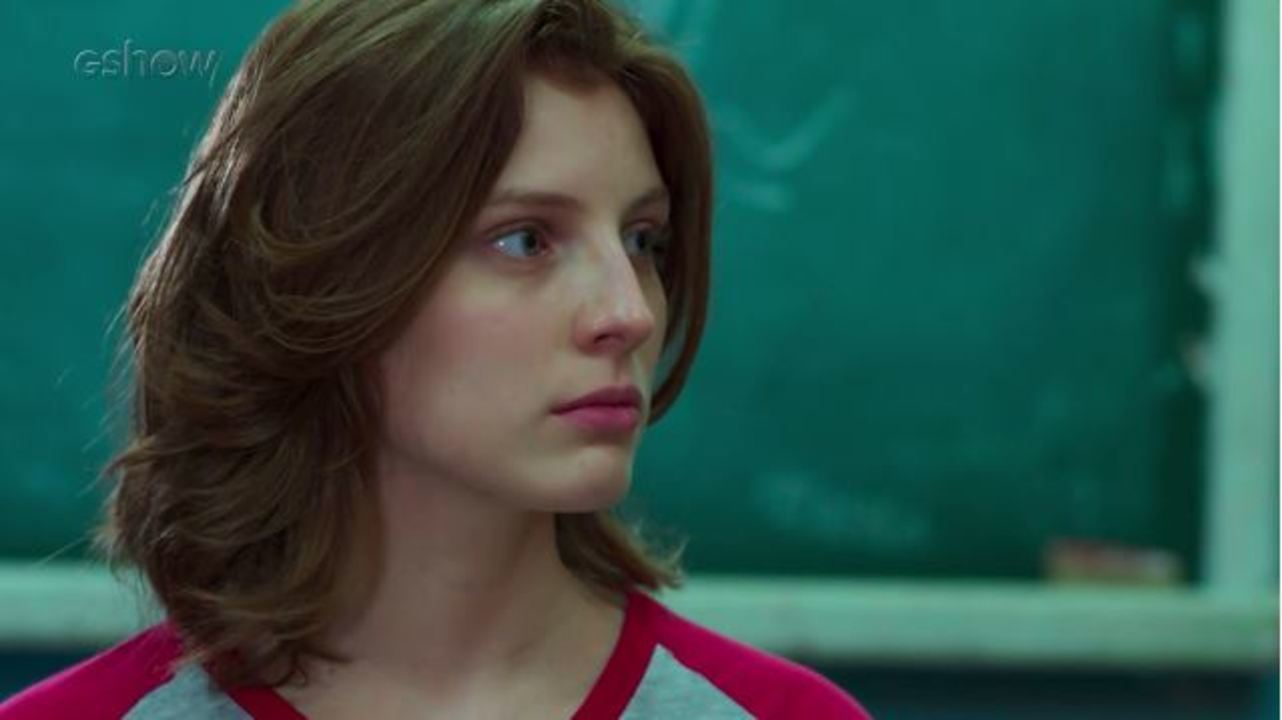 Teaser Malhação - 04/11: Juliana conta para Lucas que está passando por barra pesada