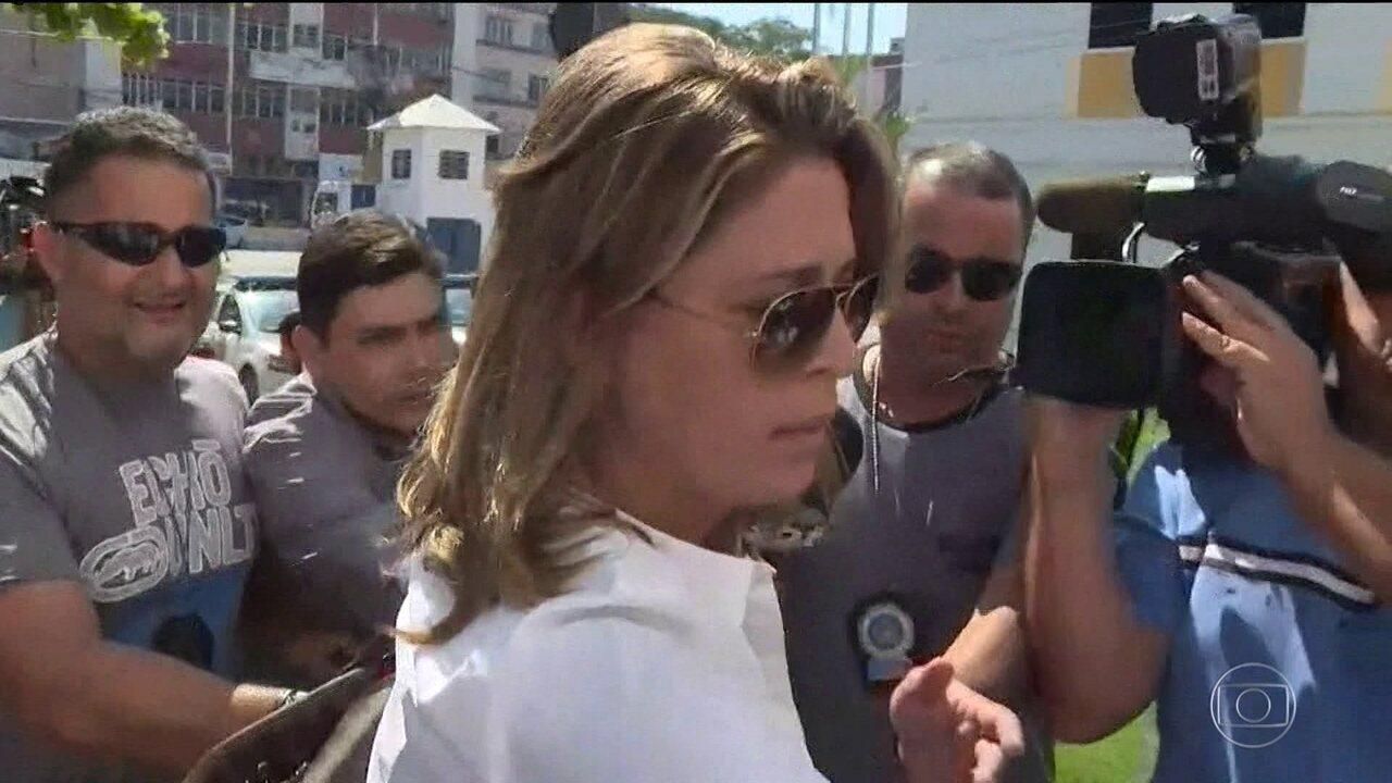 Polícia do Rio pede prisão de mulher do embaixador grego