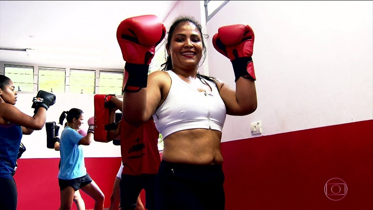 Após eliminar mais de 25 quilos, dona de casa conta como conseguiu manter uma vida saudável