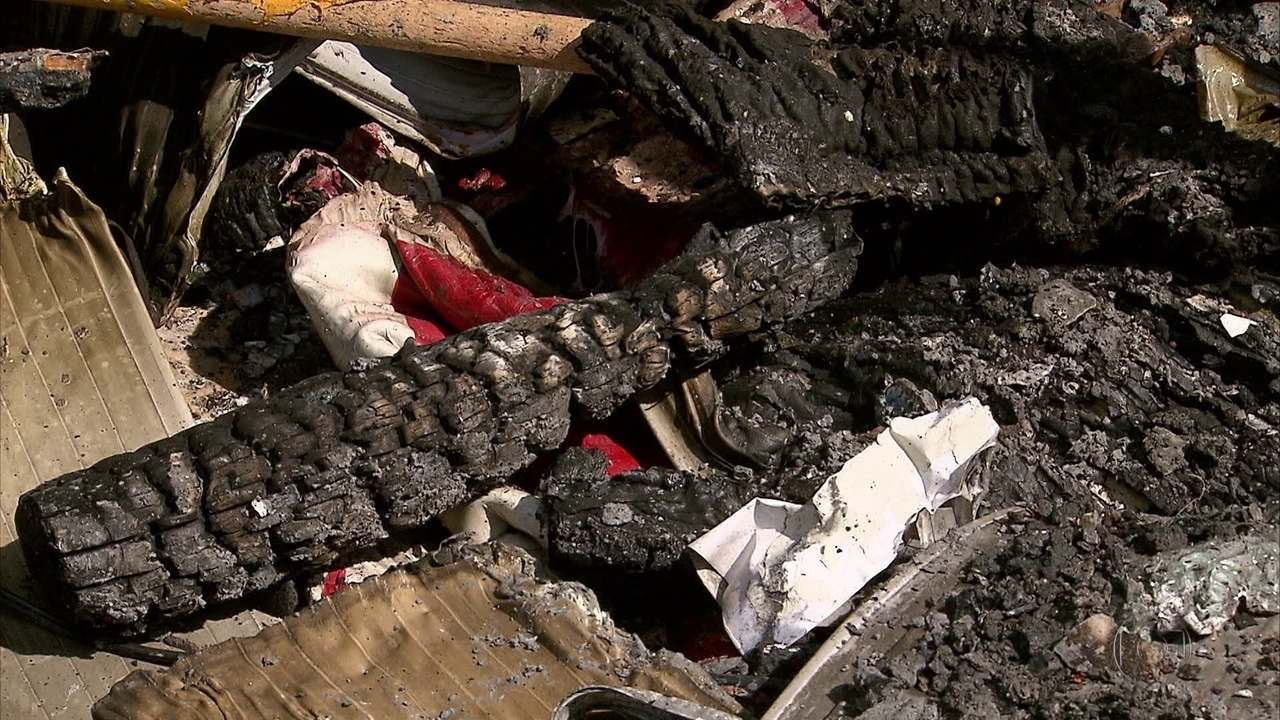 Incêndios atingem restaurante e armazém de construção no Recife
