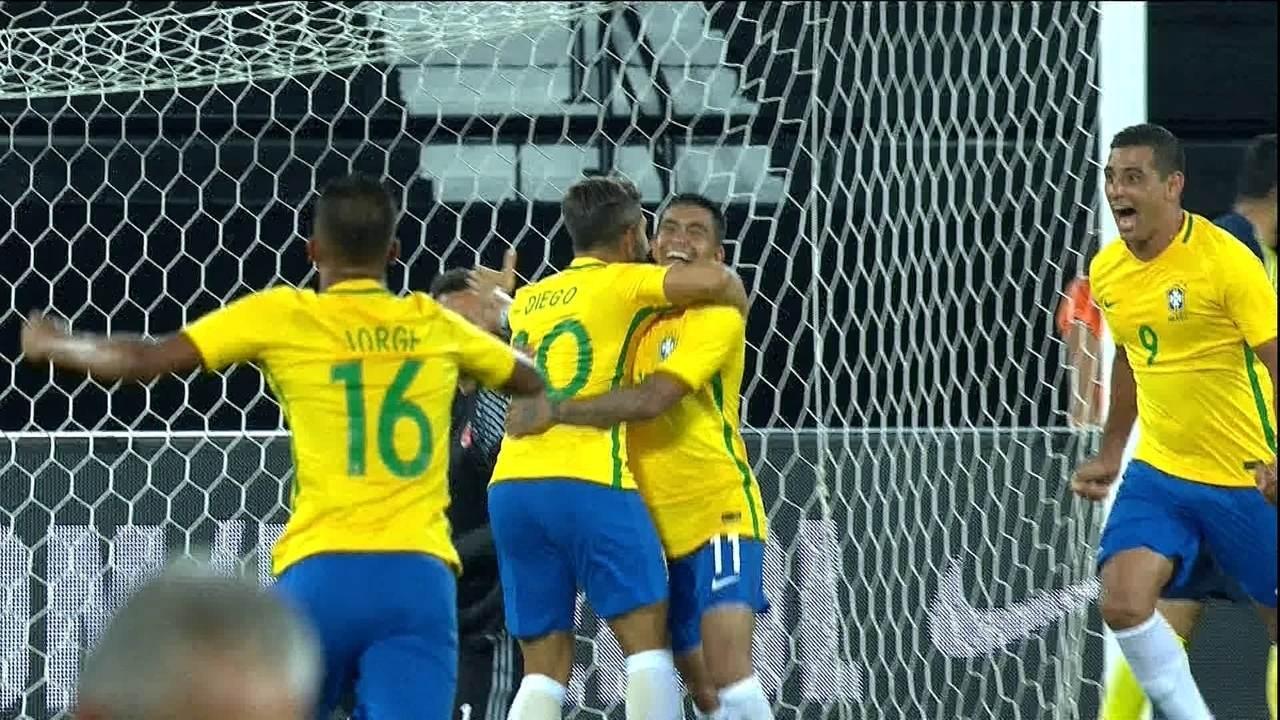 O gol de Brasil 1 x 0 Colômbia pelo Jogo da Amizade