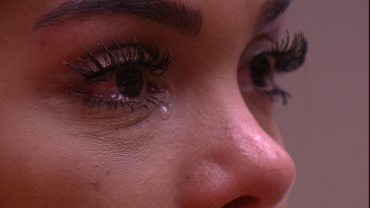 Vivian faz Mayara se emocionar durante depoimento sobre a amizade das duas