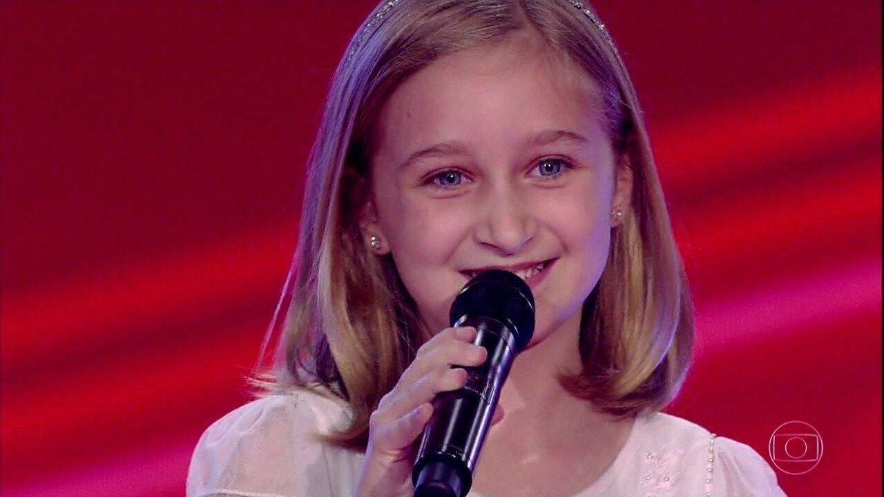 Luiza Gattai canta 'Felicidade'