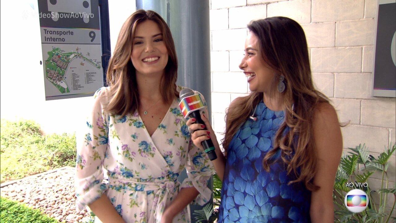 Camila Queiroz mostra novo visual