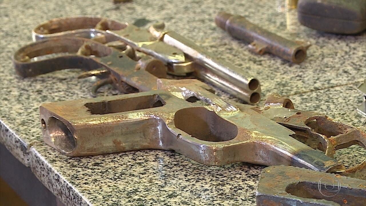 Polícia fecha fábrica clandestina de armas em Belo Horizonte