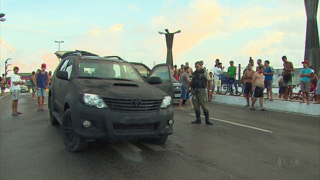 Polícia faz buscas na Zona Oeste do Recife após ação contra transportadora