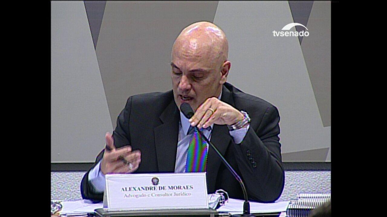 Moraes pede desculpas por não responder pergunta sobre aborto