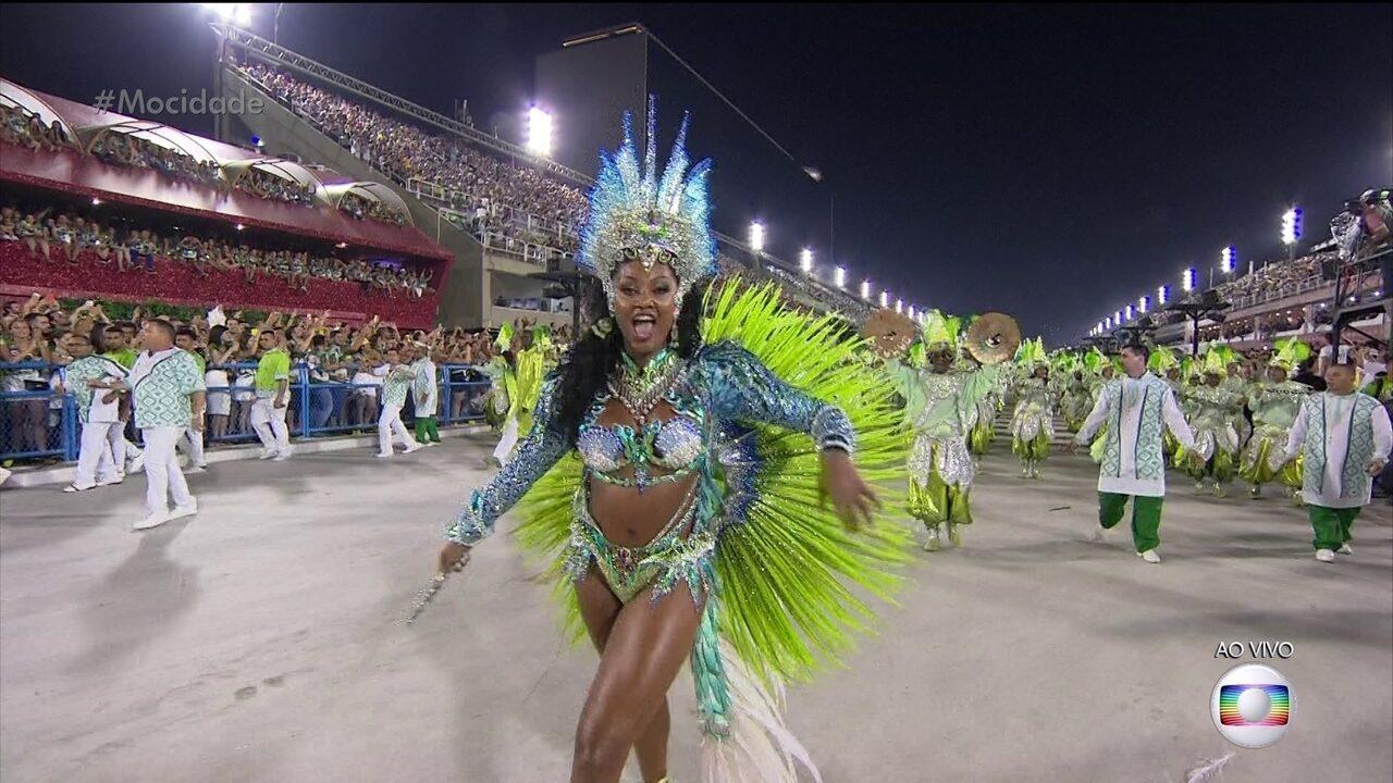 Camila Silva é a rainha de bateria da Mocidade