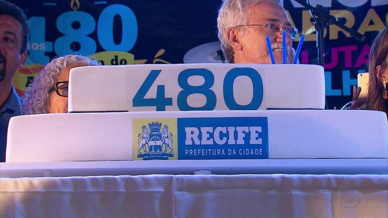 Recife completa 480 anos com festa no Marco Zero da cidade