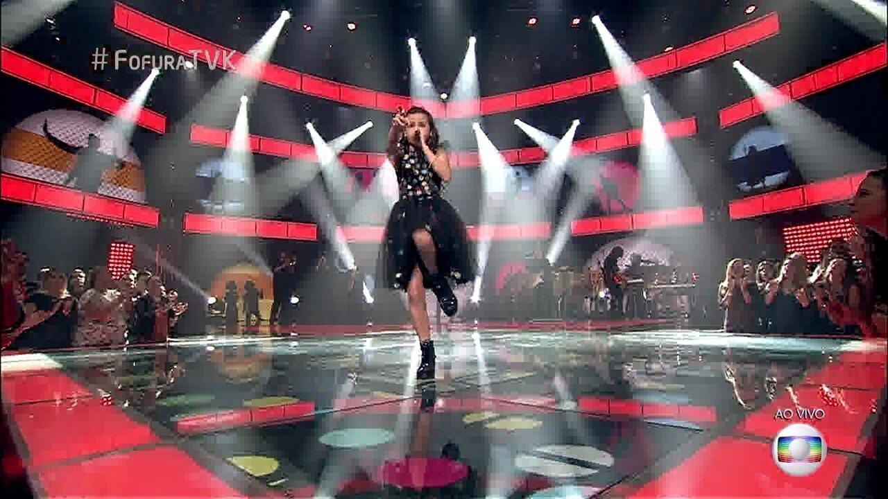 Valentina Francisco canta 'Vem quente que eu estou fervendo'