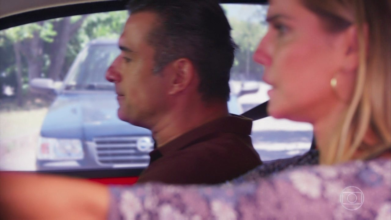 Malhação: Pro Dia Nascer Feliz - Capítulo de terça-feira, dia 21/03/2017, na íntegra - Tânia lamenta a paixão por Ricardo e Joana a conforta. Rômulo afirma que processará Vanderson. Juliana pilota a motocicleta que foi da mãe.