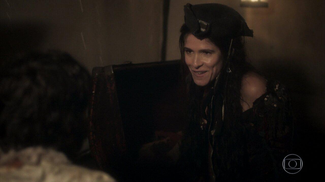 Joaquim e Elvira seguem escondido nos baús