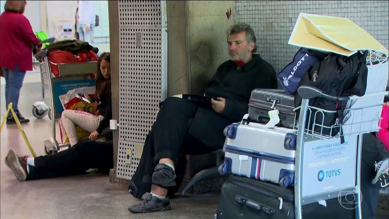 Alemão acusado de agredir passageiros no aeroporto tem que deixar o Brasil hoje