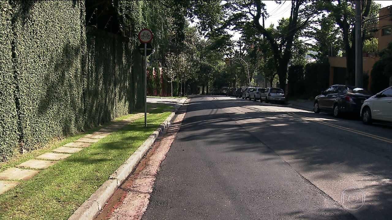 Ciclistas reclamam que ciclofaixas e ciclovias desapareceram de algumas ruas de SP