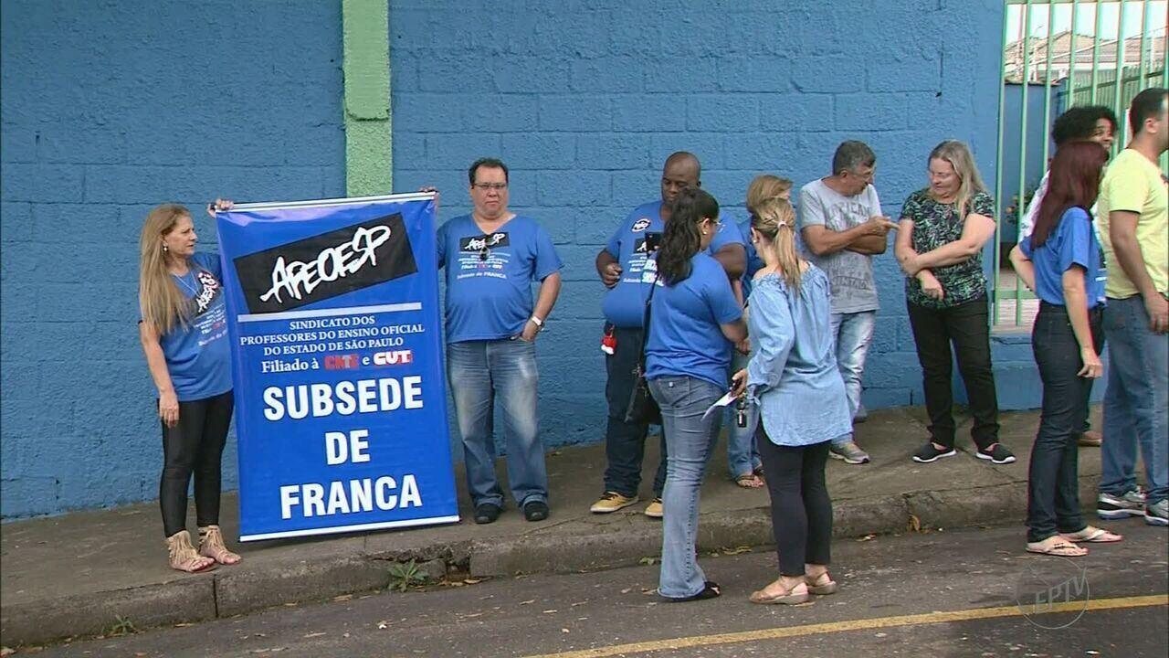 Professores aderem a greve em escolas estaduais de Franca, SP