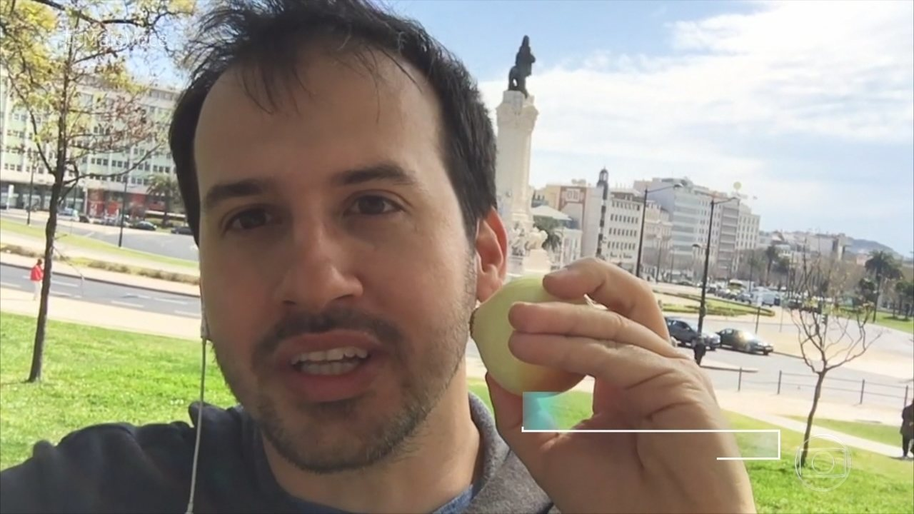 Professor de química explica por que as pessoas choram para cortar cebola