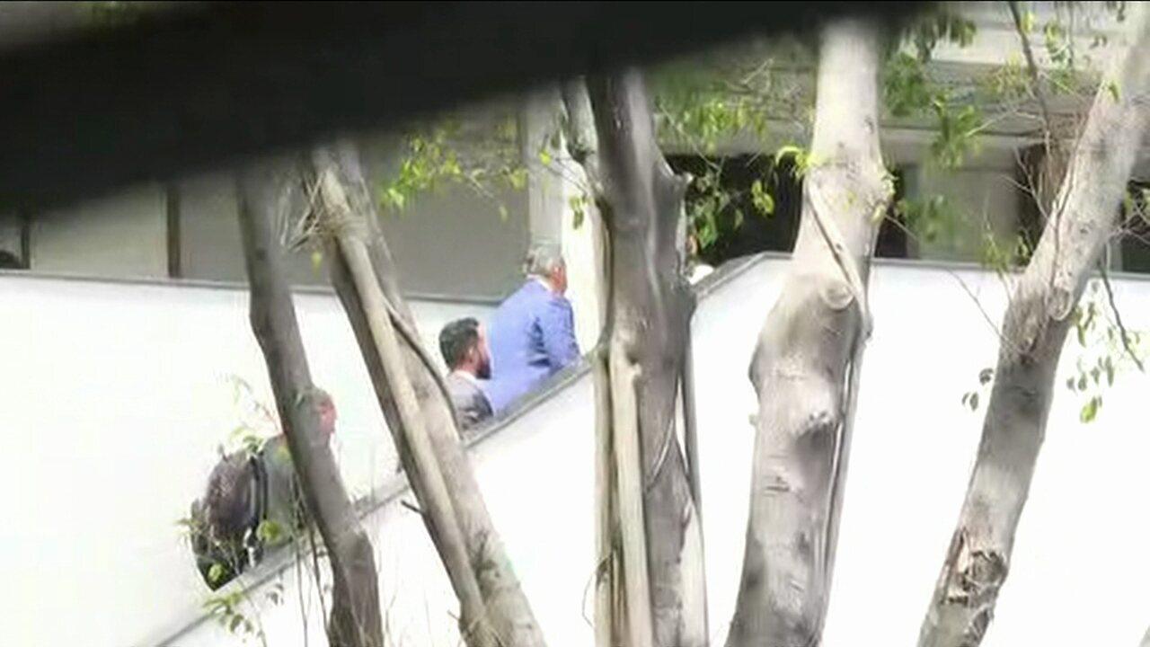 Presidente da Alerj, Jorge Picciani, chega à sede da PF no RJ para prestar depoimento