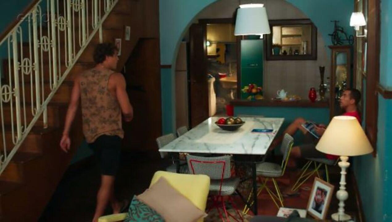 Teaser Malhação 03/04: Gabriel e Giovane se desesperam com sumiço de Dona Cleo