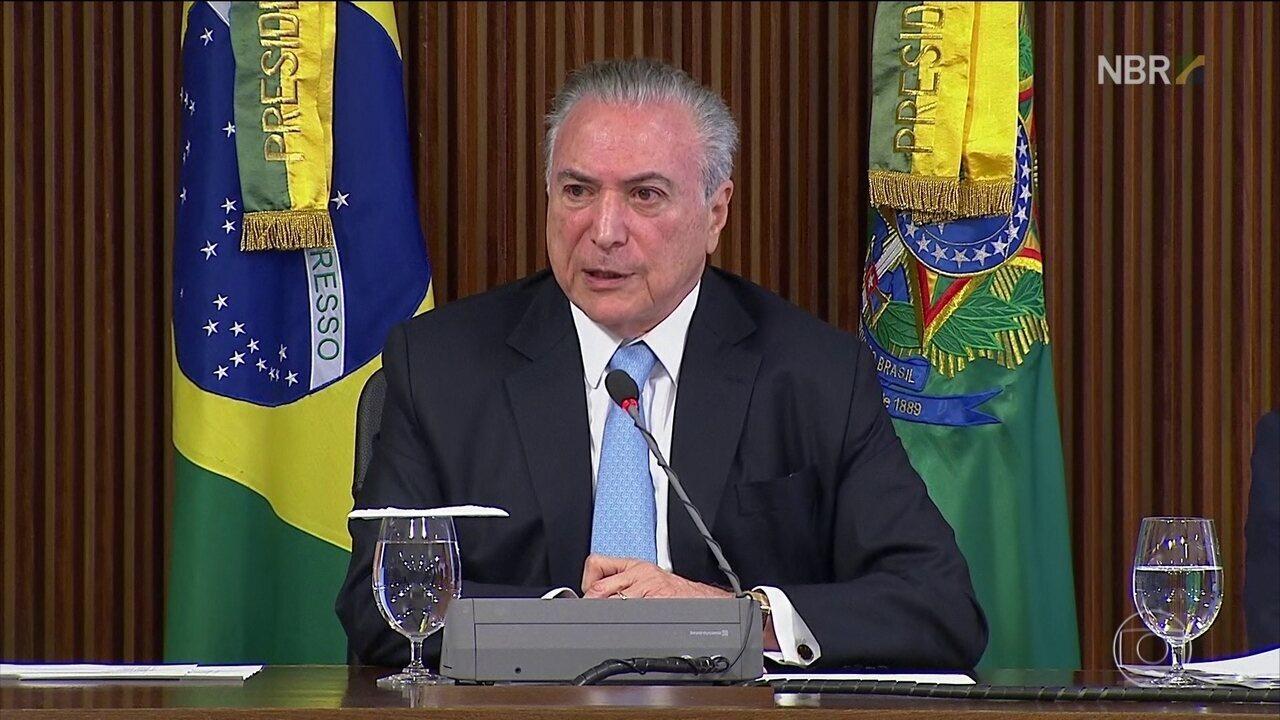 Presidente Michel Temer se reúne com deputados para discutir a reforma da Previdência