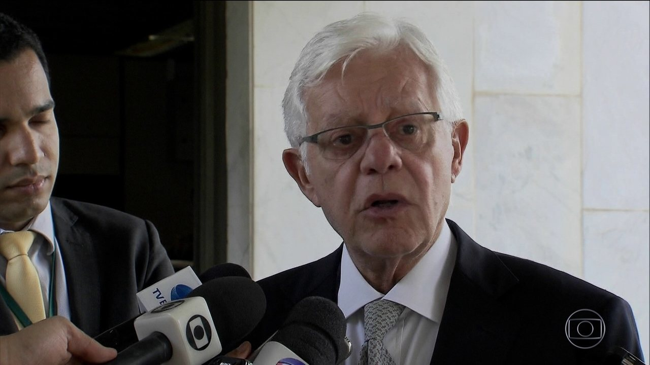 Moreira Franco é suspeito de pedir propina para campanha do PMDB