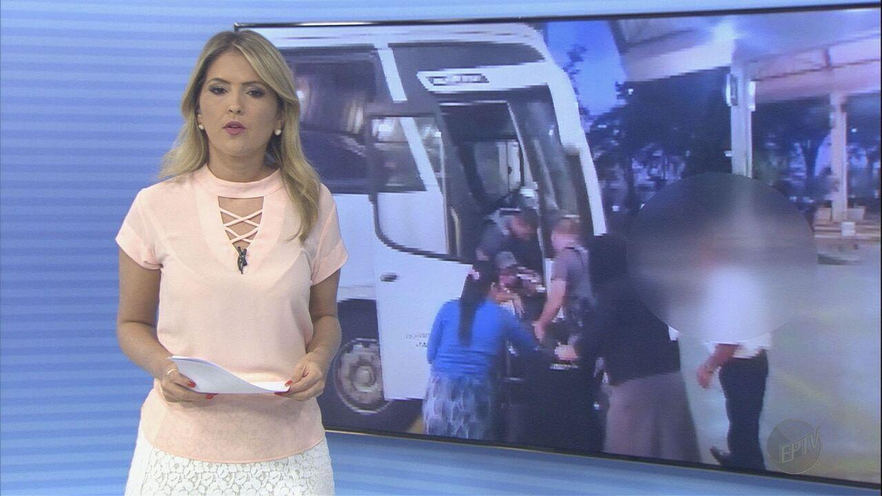Resultado de imagem para Cadeirante chama a polícia após motorista e cobradora não aceitarem embarque