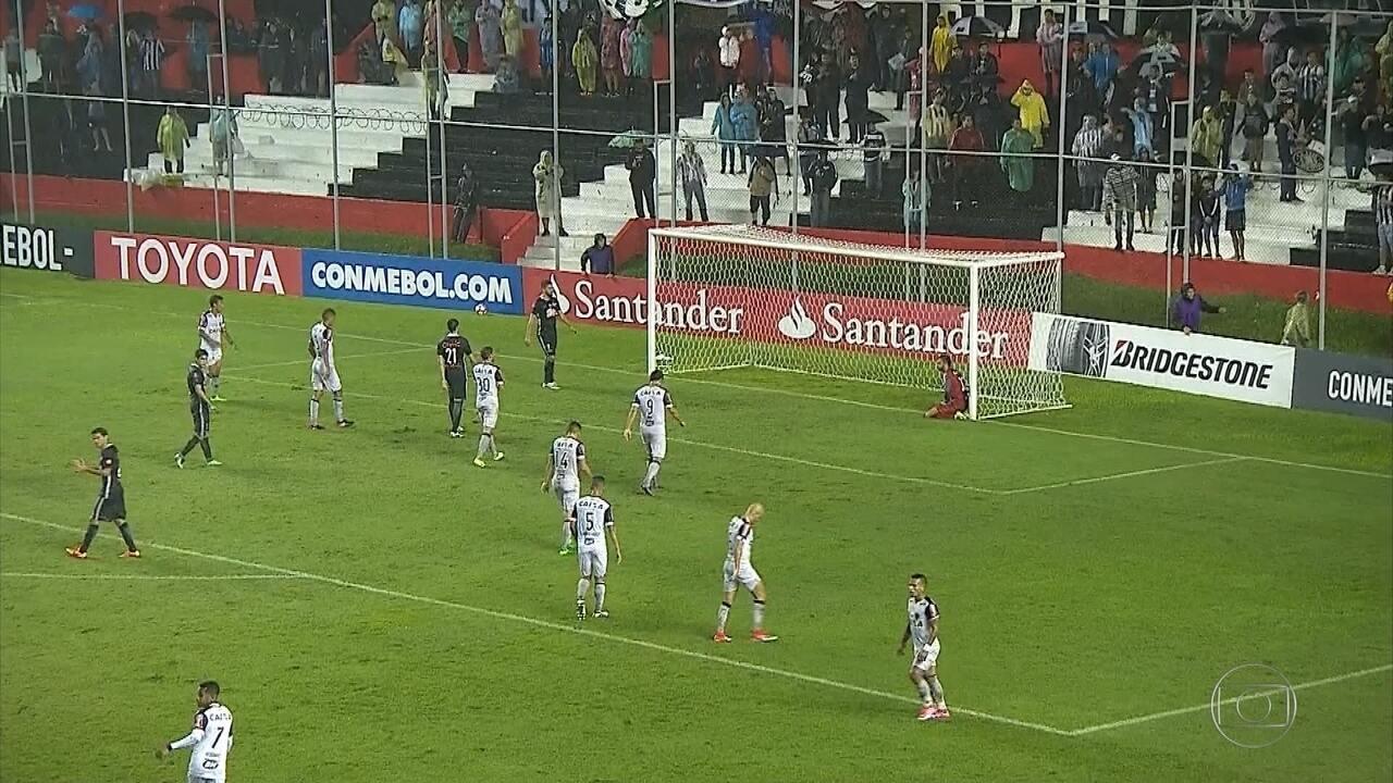 Veja os principais lances de Libertad-PAR 1 x 0 Atlético-MG