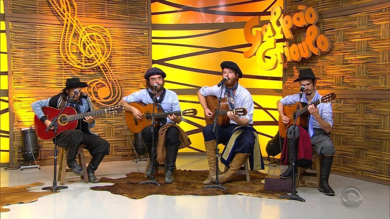 Quarteto Coração de Potro fala das influências e tocam 'Tirana do Lenço Florido'