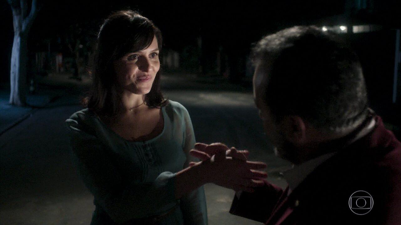 Celeste questiona Abel sobre acusação de Lucy e sente dilema moral