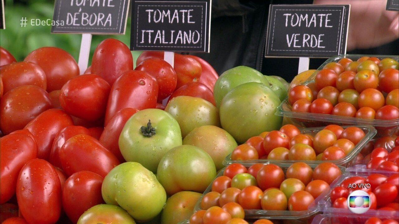 Conheça os tipos de tomates e aprenda como eles podem ser usados na culinária