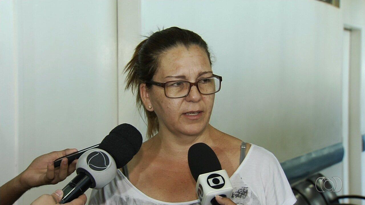 Mãe de estudante agredido durante manifestação pede justiça, em Goiânia