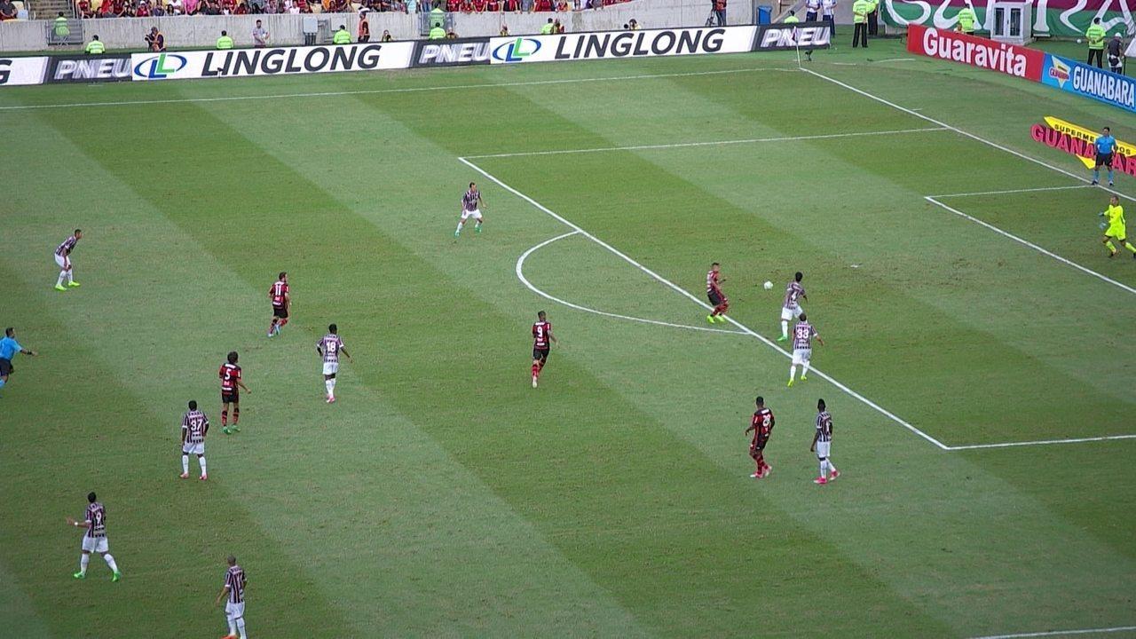 Gol do Flamengo! Éverton recupera bola na área e abre o placar, aos 33' do 1º tempo