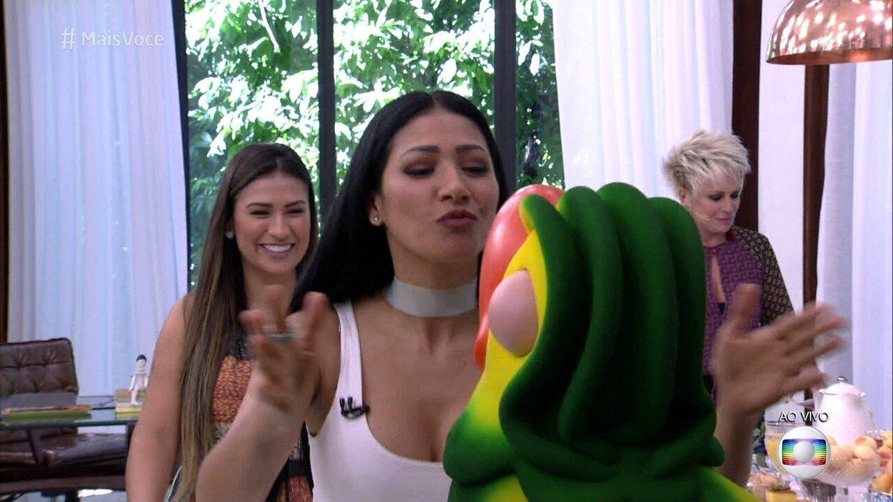 Ana Maria recebe Simone e Simaria na Casa de Cristal