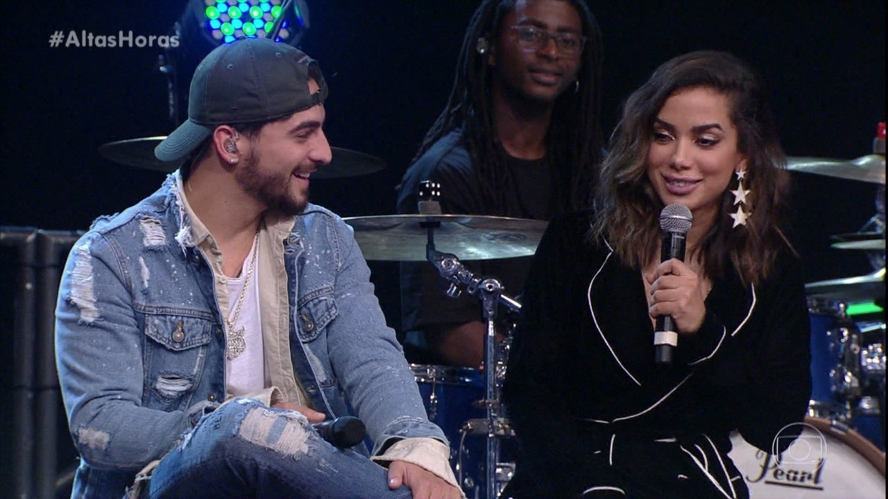 Maluma responde à plateia se está ou não com Anitta