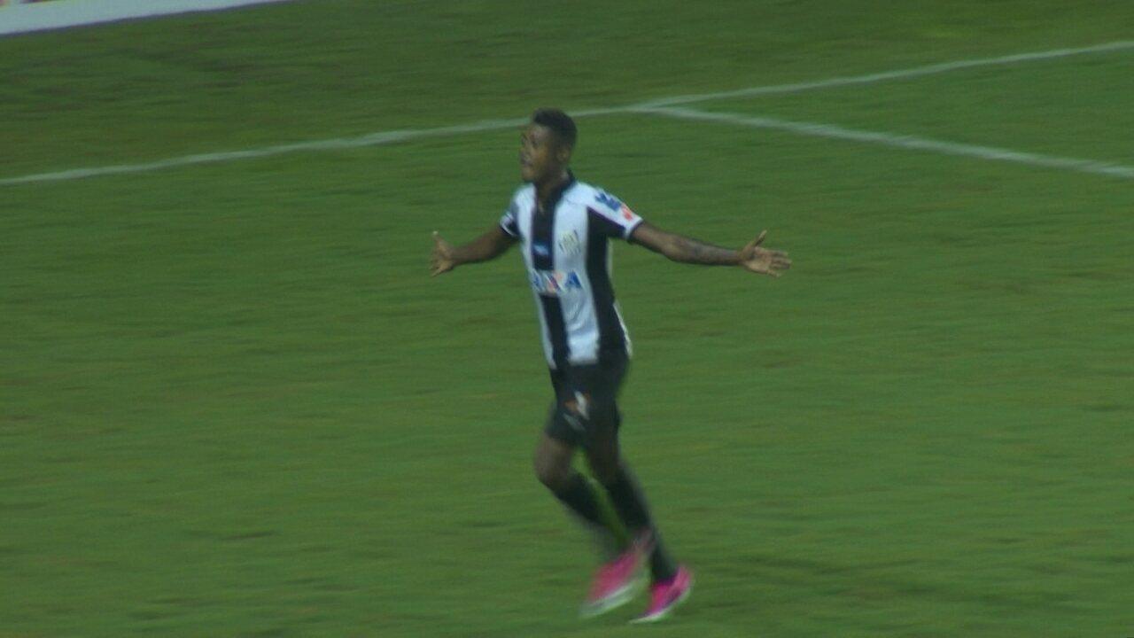 Gol do Santos! Vitor Bueno dribla marcador e toca para Bruno Henrique marcar ao 15 do 2º