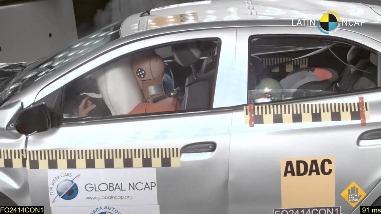 Chevrolet Onix fica com zero estrelas em teste de colisão