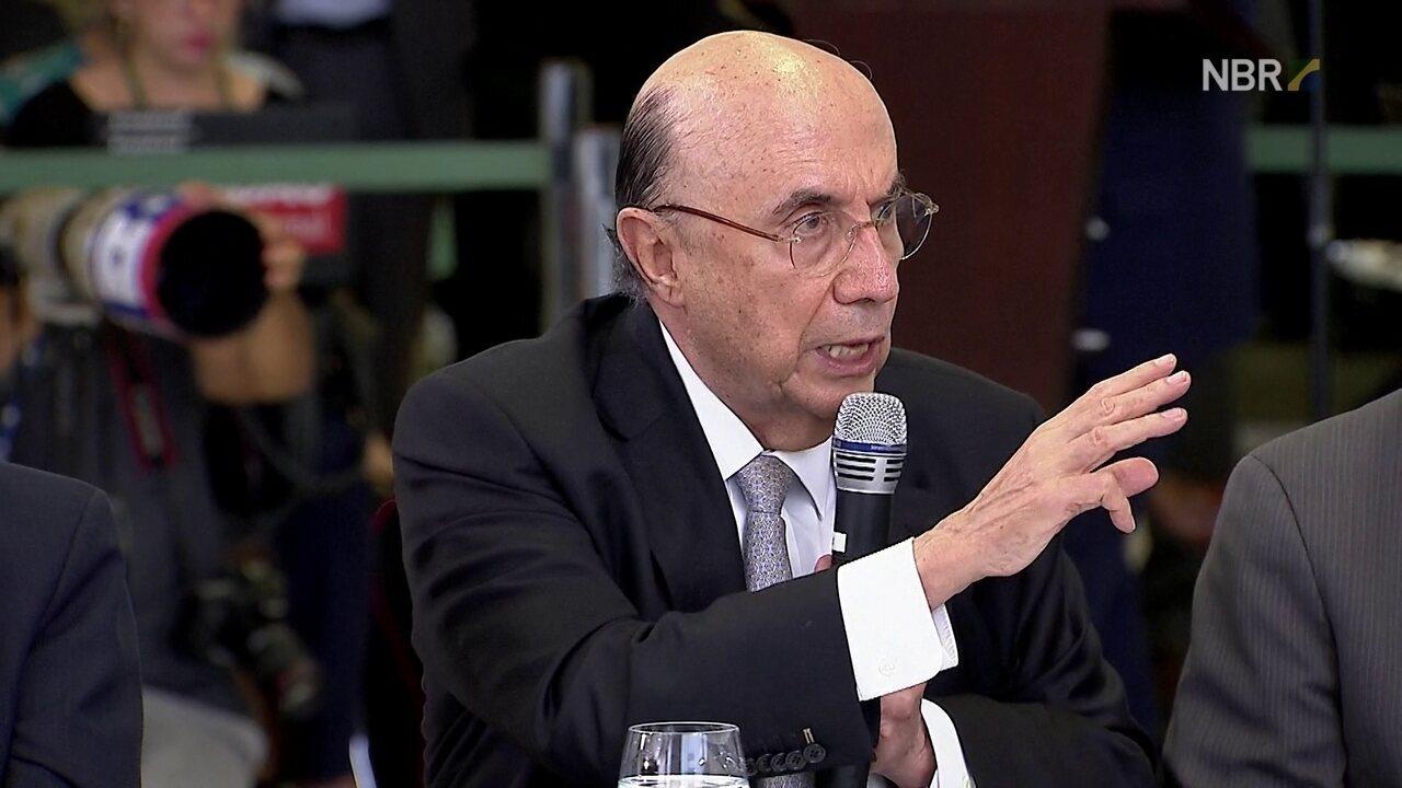 'O Brasil está mudando mais em um ano do que mudou em décadas', diz Meirelles