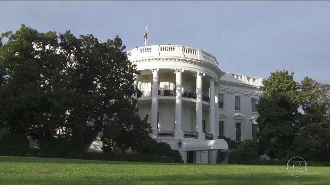 Trump é acusado por jornal de passar informações confidenciais a russos na Casa Branca