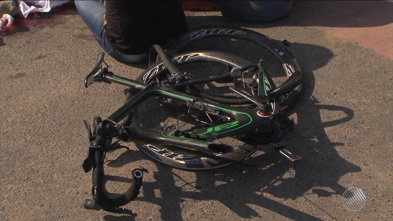 Ciclista é atropelado por caminhão em alta velocidade e morre em Feira de Santana