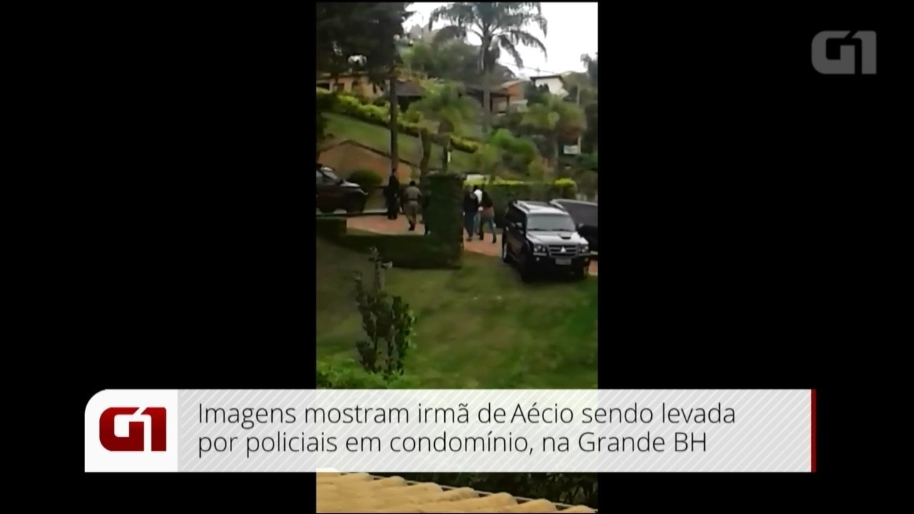 Imagem mostra irmã do senador Aécio Neves sendo levada por policiais na Grande BH