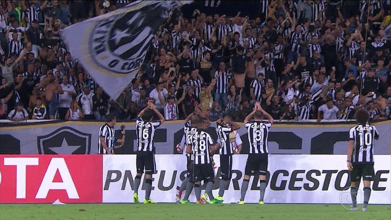 Botafogo vence Atlético Nacional e avança na Libertadores