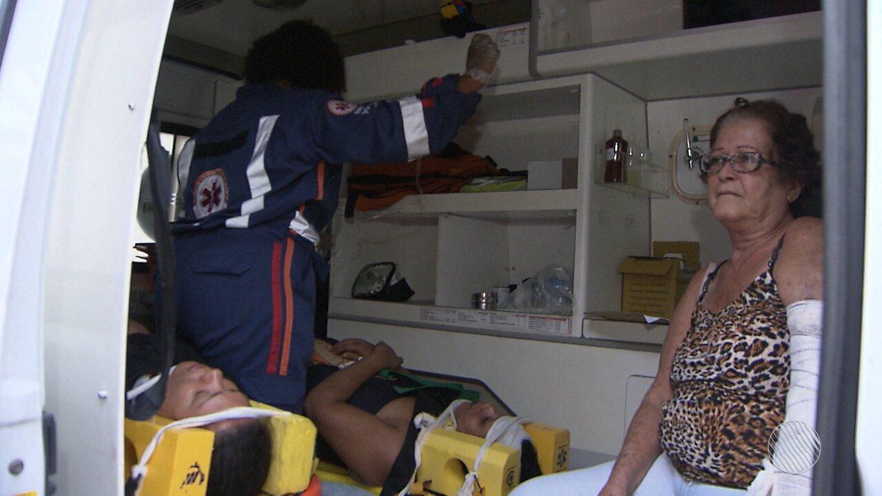 Batida entre dois ônibus deixa dez feridos na Avenida ACM, em Salvador