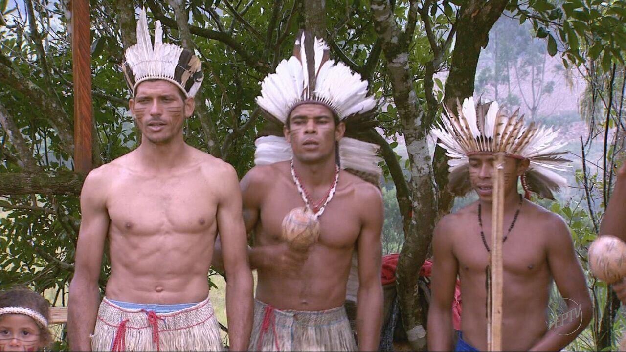 Representantes de Funai colhem dados sobre tribo Kiriri, em Caldas (MG)