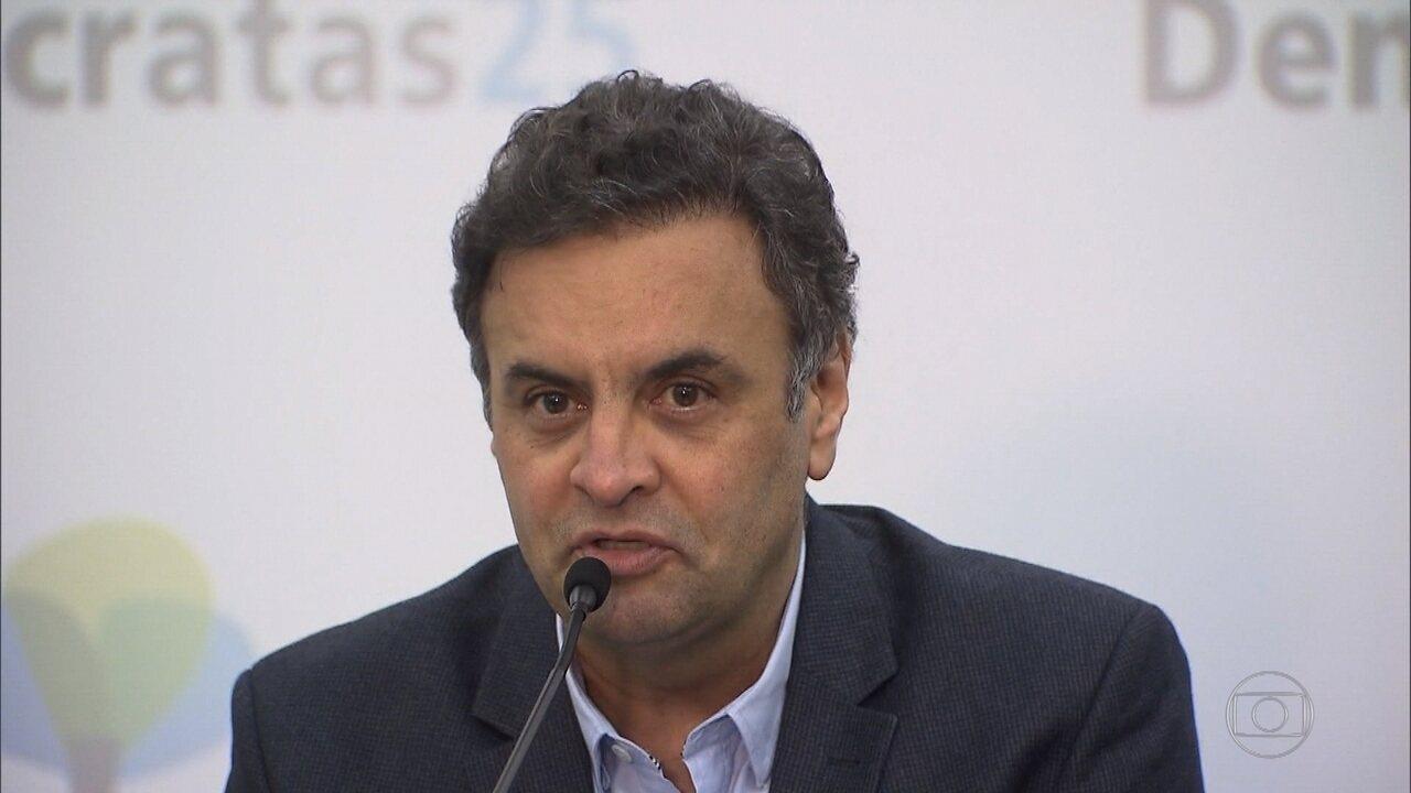 Senador afastado Aécio Neves diz que vai se dedicar à defesa dele e da irmã