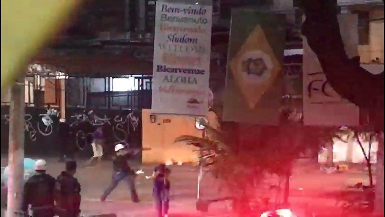 Torcedores e policiais entram em confronto antes do jogo Fortaleza e Botafogo-PB