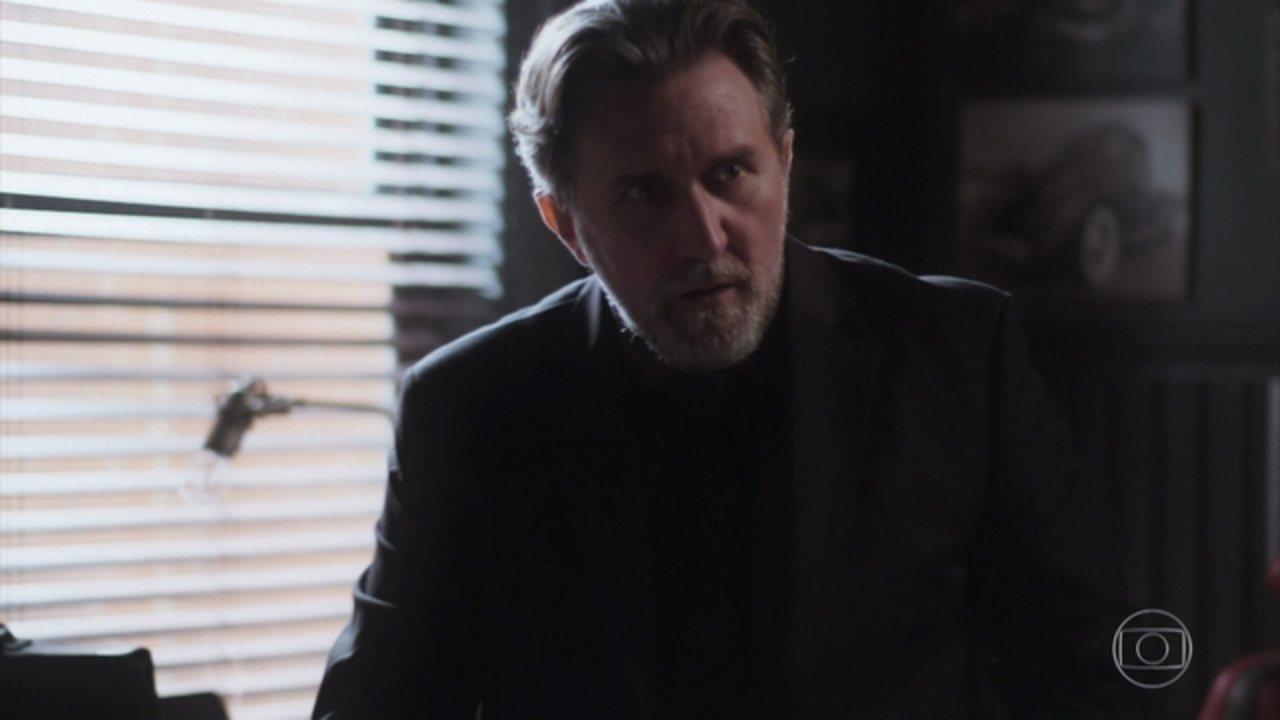 Rock Story - Capítulo de sexta-feira, 26/05/2017, na íntegra - Alex decide chantagear Salvatore por telefone