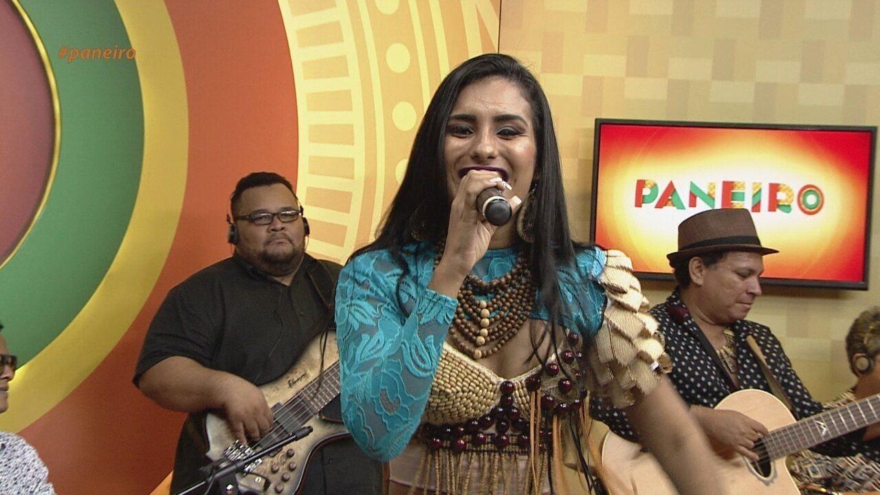 Até Parece: Cantora tem voz parecidíssima com a da cantora Joelma