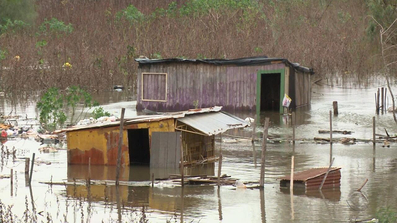Após forte chuva, famílias estão desabrigadas na Fronteira Oeste do RS