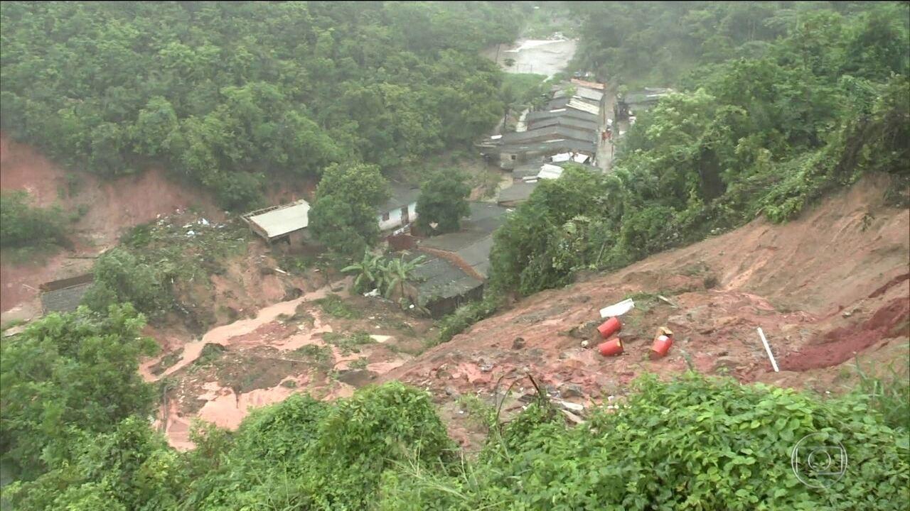 Chuva com quatro mortos faz Maceió decretar estado de calamidade