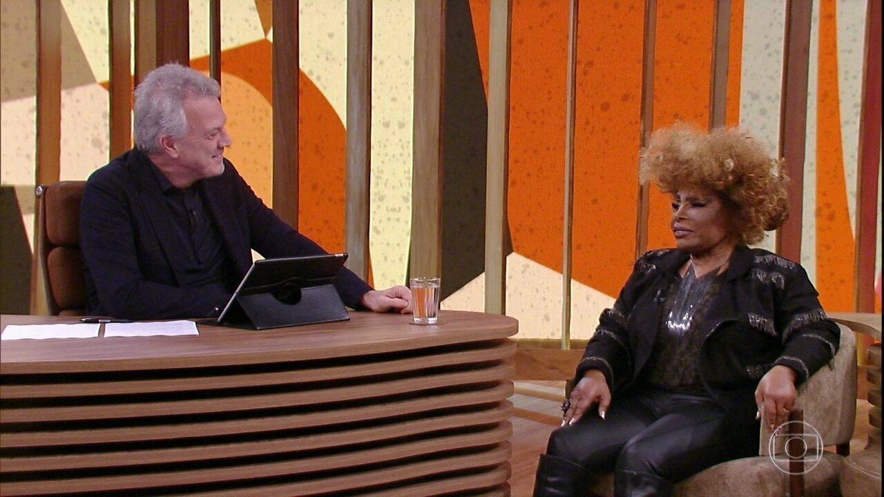 Elza Soares conta como foi substituir Ella Fitzgerald e conhecer Louis Armstrong