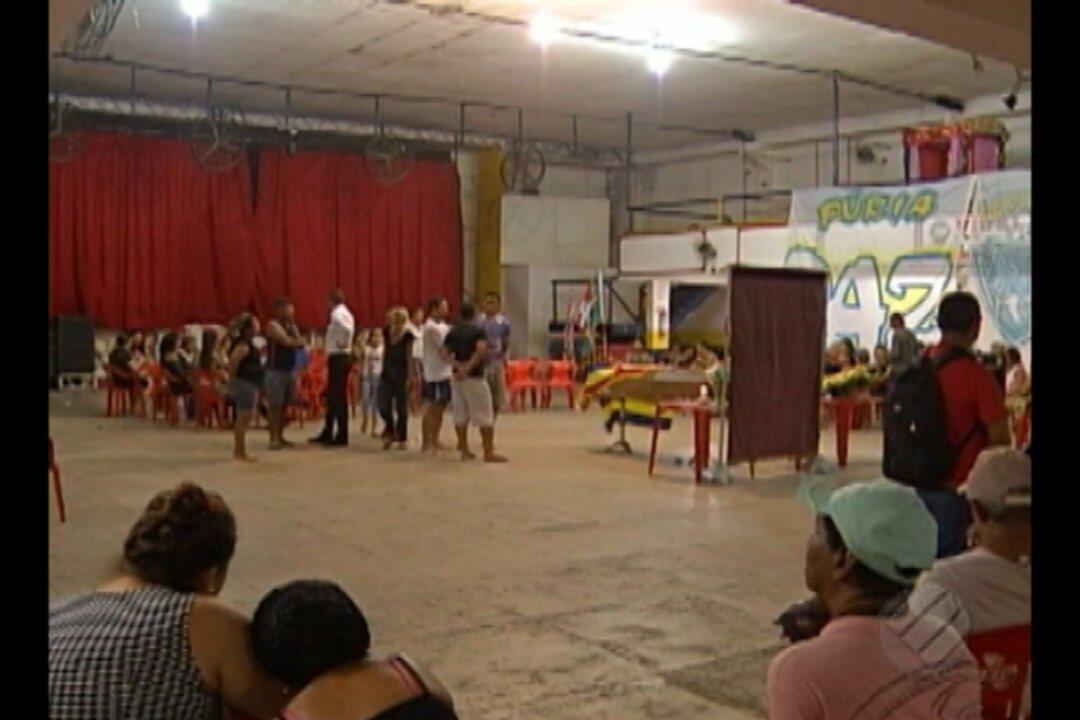 Velório das vítimas da chacina no bairro da Condor emociona familiares